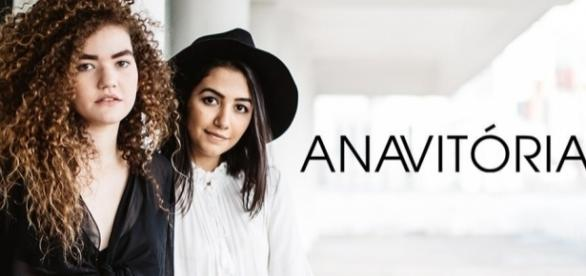 Anavitória segue fazendo shows para divulgar o álbum