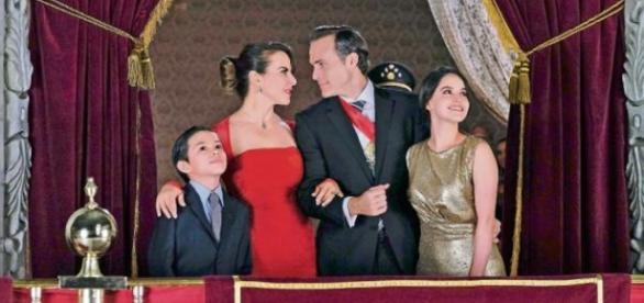 """Escena de la telenovela """"Ingobernable"""". Es la recreación de la ceremonia del Grito de Independencia de México."""