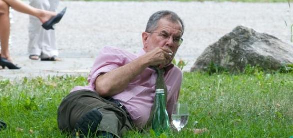 Nein, kein Landstreicher, sondern der Präsident Österreichs. [blasting news picture archives]