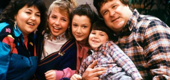 The Cast of 'Roseanne' Reunites on 'The Talk' - ABC News - go.com
