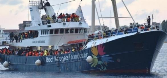 Una delle navi delle Ong che operano nel Mediterraneo
