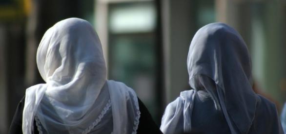 Arbeitsgericht Berlin entscheidet gegen das Kopftuch | hpd - hpd.de