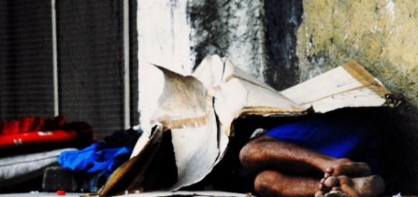 Morador de rua mata família - Google
