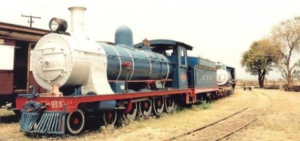 Ex Cape Government Railways Class 7 322 (4-8-0) Zambezi Sawmills Railway Class 7 955 (4-8-0 Builder's Number: Neilson 4447 Wikimedia