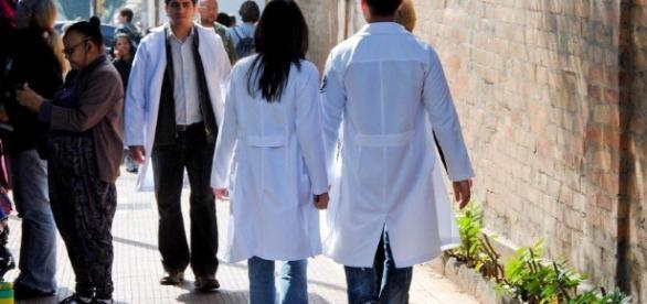 Profissionais da saúde descumprem norma estabelecida pela OMS e ... - blogspot.com