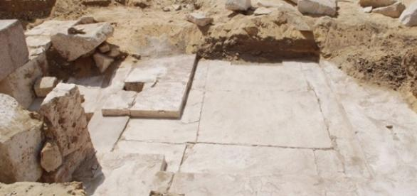3,700yo pyramid remains found near ancient Egyptian burial site ... - rwstory.com