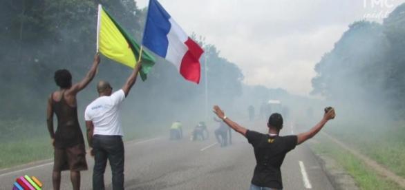 Grève générale en Guyane ; les raisons de la colère - Quotidien ... - tf1.fr