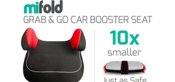 The 'mifold' is smaller than a traditional booster seat and easier to transport. / Photo via Blasting News and mifold.com
