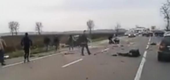 VIDEO: CARNAGIU pe DN 2. TREI oameni AU MURIT într-un GRAV ACCIDENT