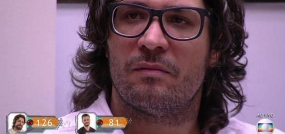 """Ilmar é eliminado do """"BBB"""" e detona Emilly novamente"""