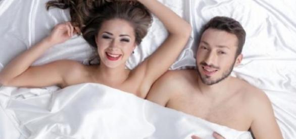 Quando uma mulher deixa de ser insegura, passa a não ter mais medo de fazer sexo com a luz acesa ou de caminhar nua