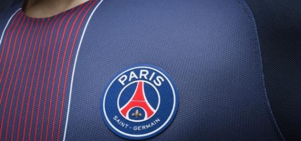 Club : Le PSG officialise le maillot domicile 2016/2017   CulturePSG - culturepsg.com