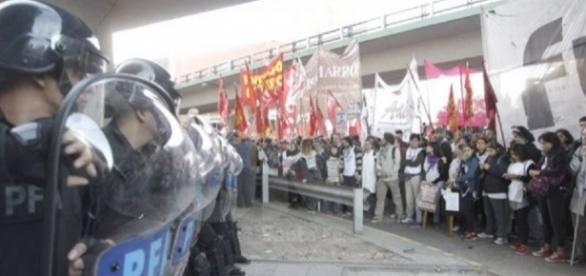 Gendarmería enfrentando a piqueteros
