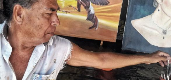 Pintor autodidacta con buenos resultados en su trabajo