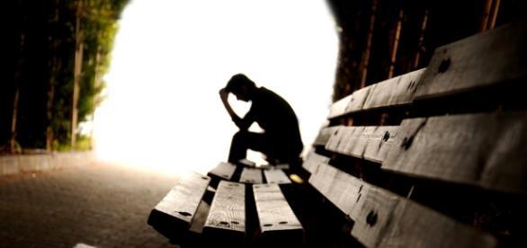 Conheça a diferença entre tristeza e depessão