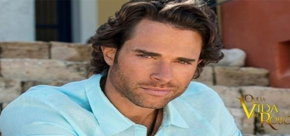 O ator fala sobre Alessandro Almonte