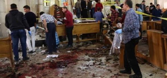 Igreja cristã destruída após atentado no Egito