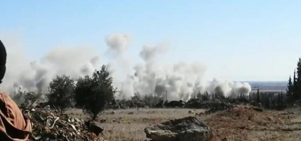 Ataque russo e sírio contra o Estado Islâmico no norte de Aleppo
