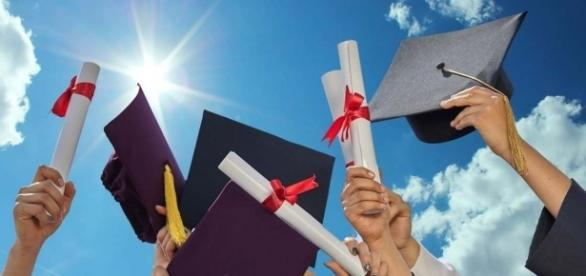 Graduation is the key to lifelong success. Don't ever give up! zerchoo.com