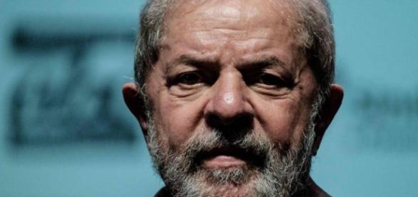 Lula está sendo investigado e é réu em 5 processos