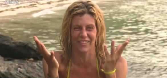 Paola Caruso - naufraghi | Isola dei Famosi 2016 - mediaset.it