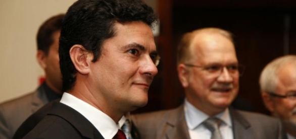 Sérgio Moro envia ofício a Fachin sobre manter prisão de Palocci