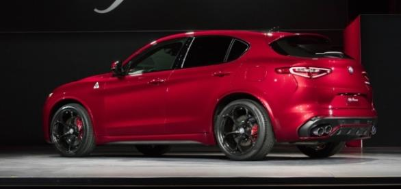 2018 Alfa Romeo Stelvio Quadrifoglio Specs, Photos, Speed - fcauthority.com