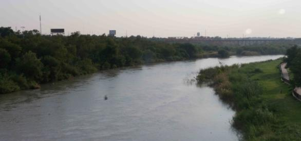 El Río Bravo, frontera natural entre México y los Estados Unidos sin muro.