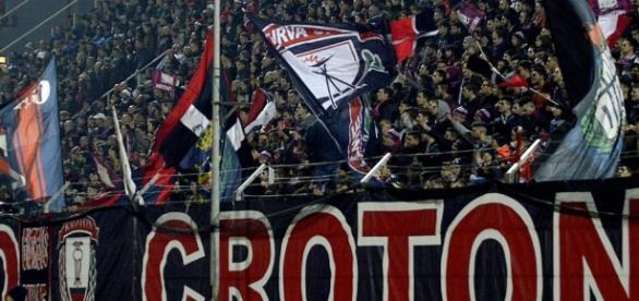 I tifosi del Crotone, squadra di Serie A.