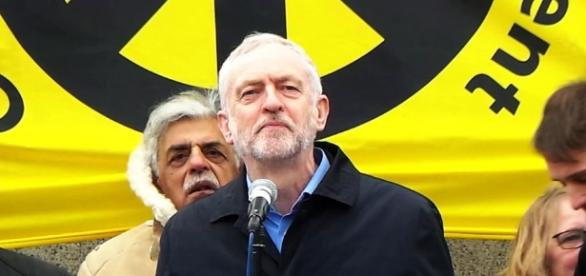 http://blog.chrisworfolk.com/wp-content/uploads/2016/08/jeremy-corbyn.jpg