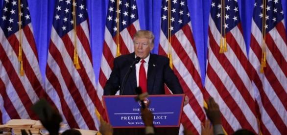 Il presidente degli Stati Uniti Donald Trump continua a utilizzare Twitter come arma di propaganda