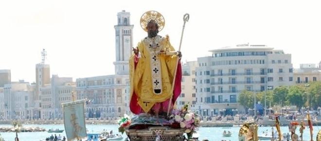 Bari: dalla piazza affollata per il santo Patrono al ristretto vertice del G7