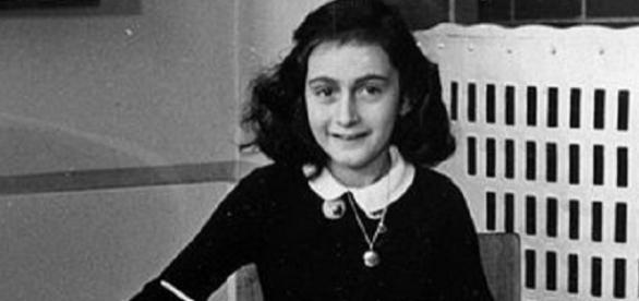 Anne Frank at school (Website Anne Frank Stichting, Amsterdam)