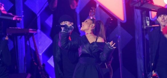 Ataque terrorista após show de Ariana Grande deixa 22 mortos