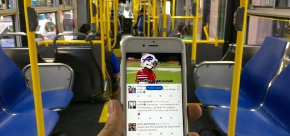Included in the exclusive deal is live coverage of pre-game programming on both Twitter and Periscope. Photo courtesy of Blasting News.