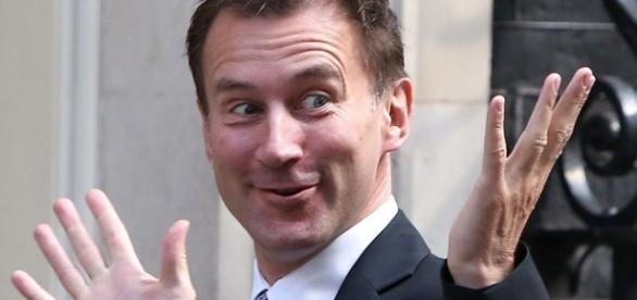Britain's top stroke doctors accuse Jeremy Hunt of ... - mirror.co.uk