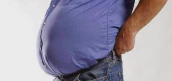 Il grasso viscerale favorisce la perdita dell'udito con l'età.