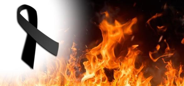 Músico coloca fogo nele mesmo ao vivo - Google