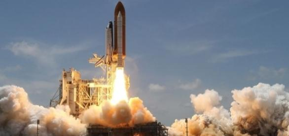 Rocket launch, Pixabay Wikilmages https://pixabay.com/en/rocket-launch-smoke-rocket-take-off-67723/