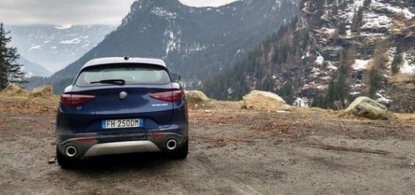 Alfa Romeo Stelvio prova su strada (Foto 26/55) | AllaGuida - allaguida.it