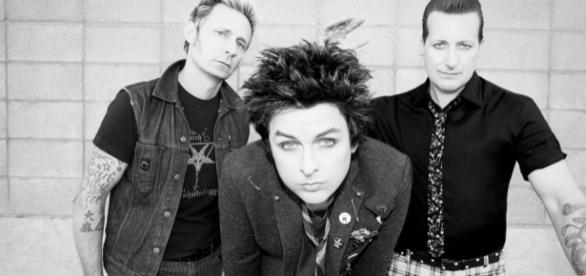See Green Day's Lyric Video for Resilient 'Still Breathing ... - rollingstone.com
