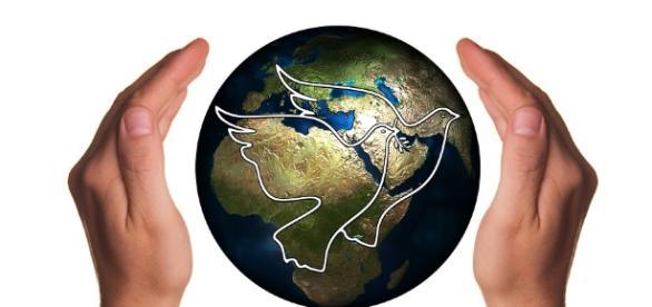 Ein Schutzschild aus Liebe und Menschlichkeit, bewahrt den Frieden dauerhaft