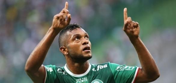 Palmeiras goleia o time do Vasco com dois de Borja