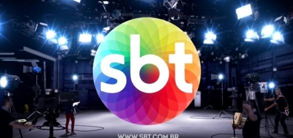 Apresentadora do SBT tem casa revistada por policiais