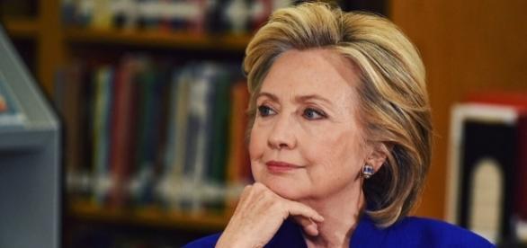 Hillary Clinton lancia 'Onward Together', un nuovo soggetto politico