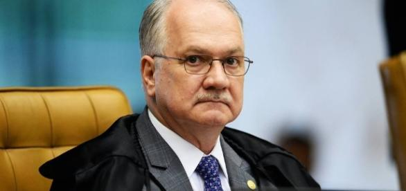 Ministro relator da Lava Jato no STF, Edson Fachin, fechou as portas de seu gabinete, ao ser indagado por jornalistas sobre delação de Joesley Batista