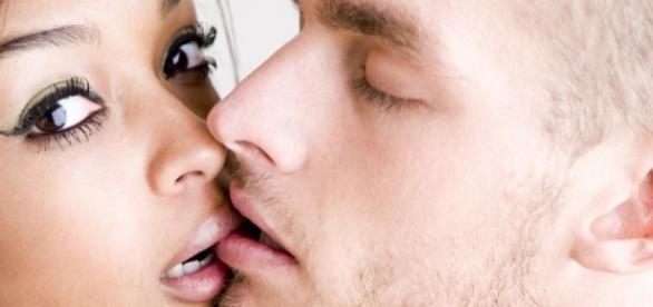 Segundo estudo, adultos do século XXI estão fazendo cada vez menos sexo (Foto: Reprodução)