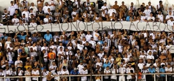 Torcedores do Santos estão na bronca com a Globo