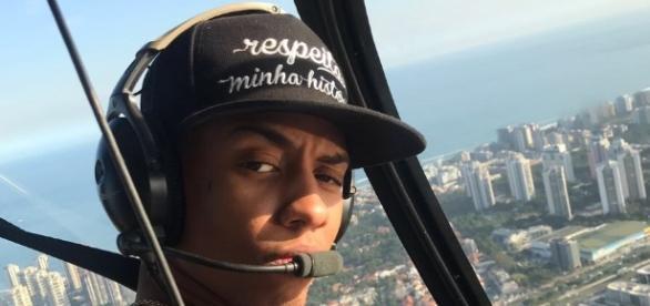 Funkeiro e DJ Yago Gomes só anda de helicóptero