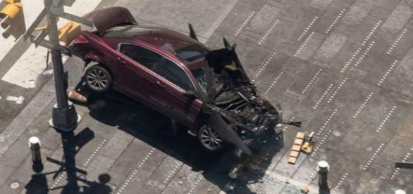 Jeudi 18 mai 2017, une voiture-folle fait 23 blessés et 1 mort à Times Square (NY)